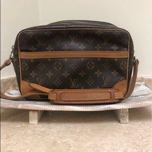 Authentic LOUIS VUITTON Trocadero 27 shoulder bag